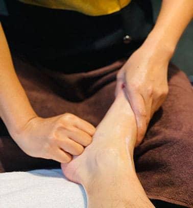 Foot Massage and Movie - Spa & Thai Massage